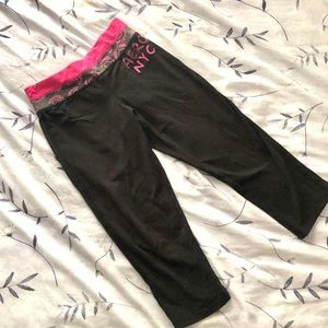 Aeropostale Yoga Pants Capri Leggings